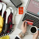 Online Shopping Provides 24 Hour Customer Support
